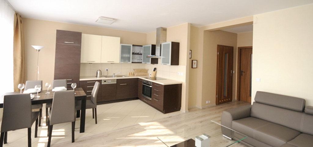 zdjęcie przedstawia salon i jadalnię w apartamencie na wynajem w Szczecinie