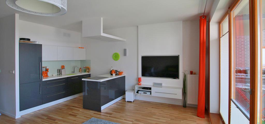 zdjęcie przedstawia ekskluzywny apartament do sprzedaży w Szczecinie, widok na salon