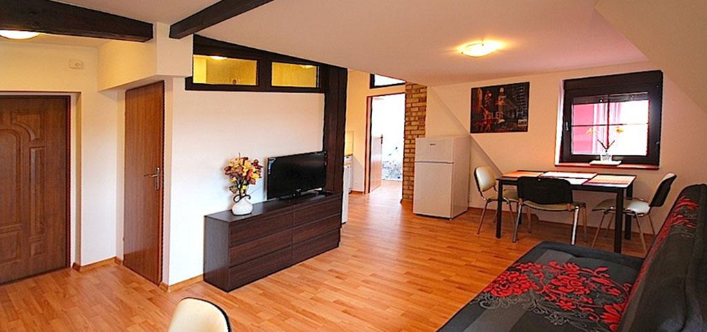 Apartament do wynajęcia w Szczecinie, zdjęcie przedstawia salon