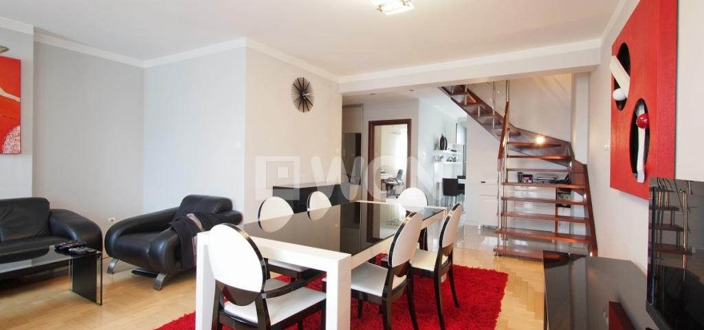 zdjęcie przedstawia apartament do sprzedaży w Tarnowie, widok na salon