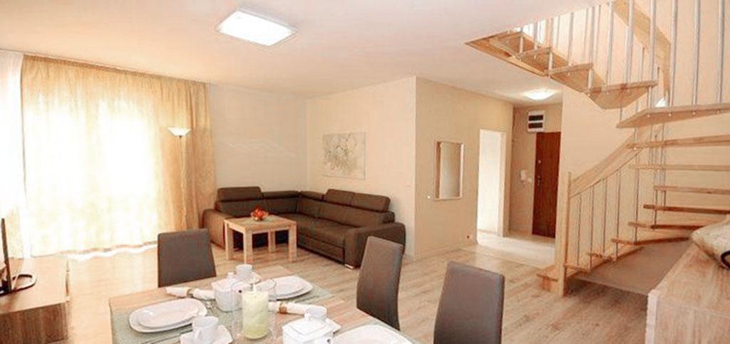 zdjęcie przedstawia dwupoziomowy apartament w Szczecinie do wynajmu