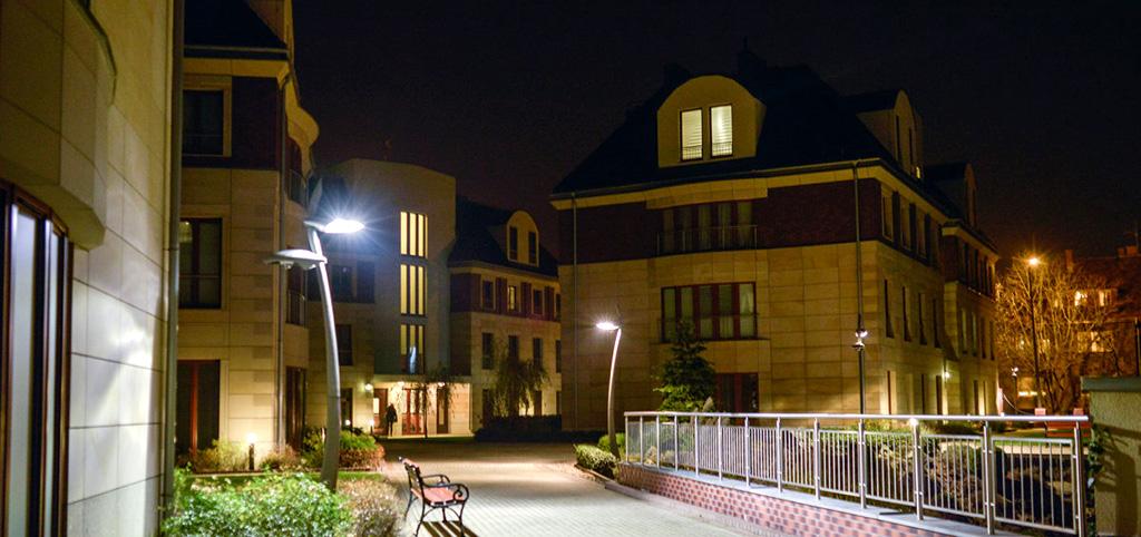 na zdjęciu apartamentowiec, w którym znajduje się luksusowy apartament do sprzedaży we Wrocławiu