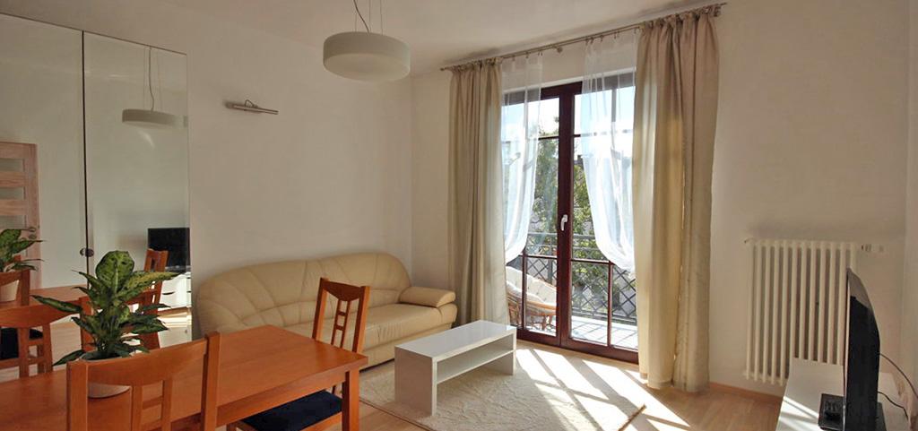 na zdjęciu duży pokój w apartamencie na sprzedaż w Szczecinie