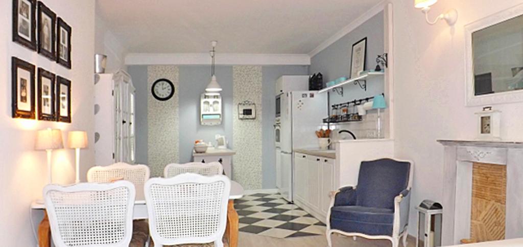 na zdjęciu apartament do sprzedaży w Słupsku, widok na kuchnię