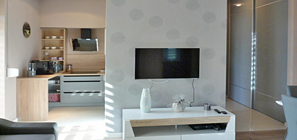 wnętrze luksusowego apartamentu za 250 000 zł na sprzedaż w Ostrowie Wielkopolskim