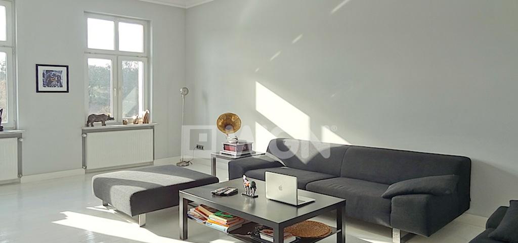 na zdjęciu salon w apartamencie do wynajmu w Szczecinie