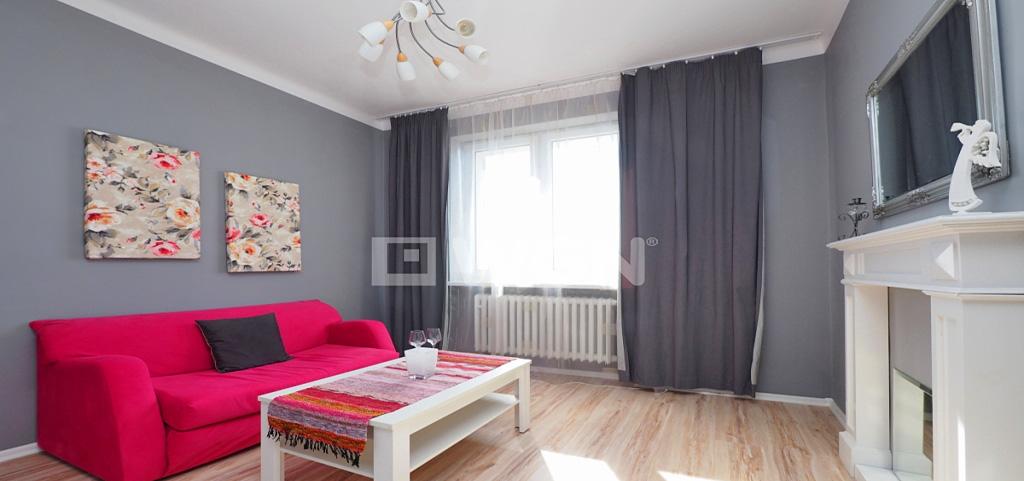 zdjęcie przedstawia salon w apartamencie w Tarnowie na wynajem
