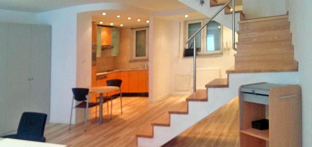 na zdjęciu przedstawiono ekskluzywne wnętrze apartamentu do sprzedaży w Warszawie