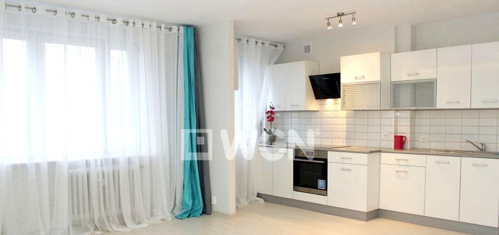 na zdjęciu ekskluzywny aneks kuchenny w luksusowym apartamencie na sprzedaż w Szczecinie