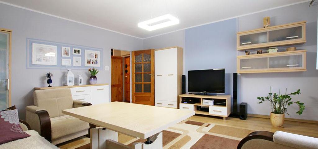 zdjęcie przedstawia salon w luksusowym apartamencie na sprzedaż w Szczecinie