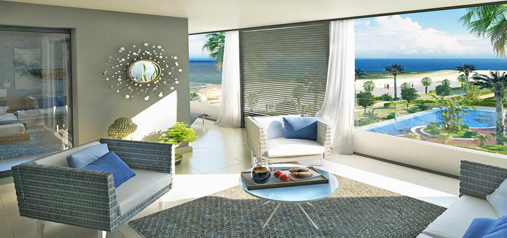 zdjęcie prezentuje salon w luksusowym apartamencie do sprzedaży w Hiszpanii
