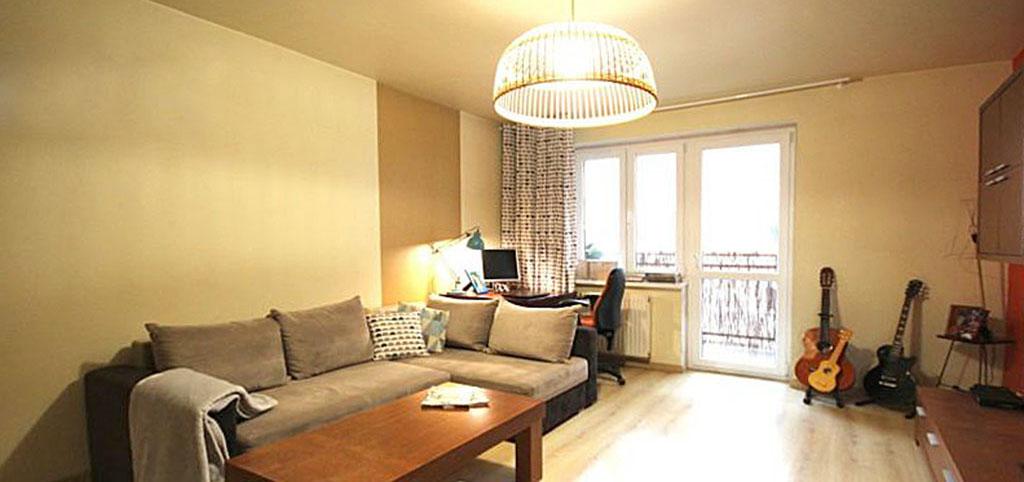 na zdjęciu ekskluzywny salon w luksusowym apartamencie w Szczecinie na sprzedaż